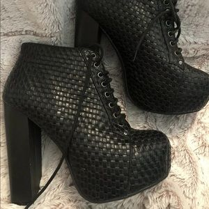 Vintage Brand Wicker style Boots Chunky Heel
